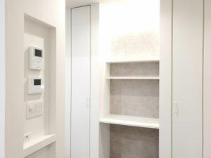 収納スペースに設ける間接照明