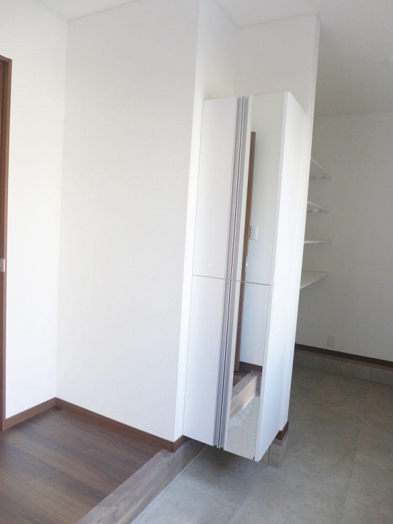 新築賃貸物件 玄関